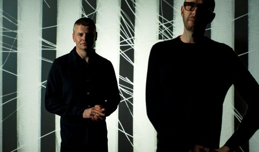 "The Chemical Brothers presenta el VIDEO de ""MAH"", con visuales de Adam Smith y Marcus Lyall"