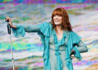 Florence + The Machine comparte versión acústica de 'Light of Love'